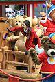 Victoria-macys victoria justice macys parade 11