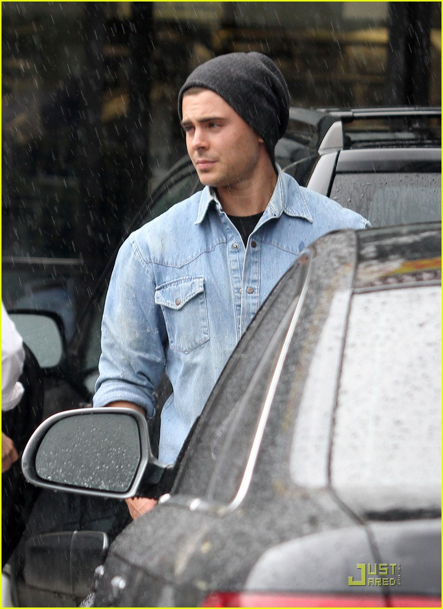 zac efron subway 04