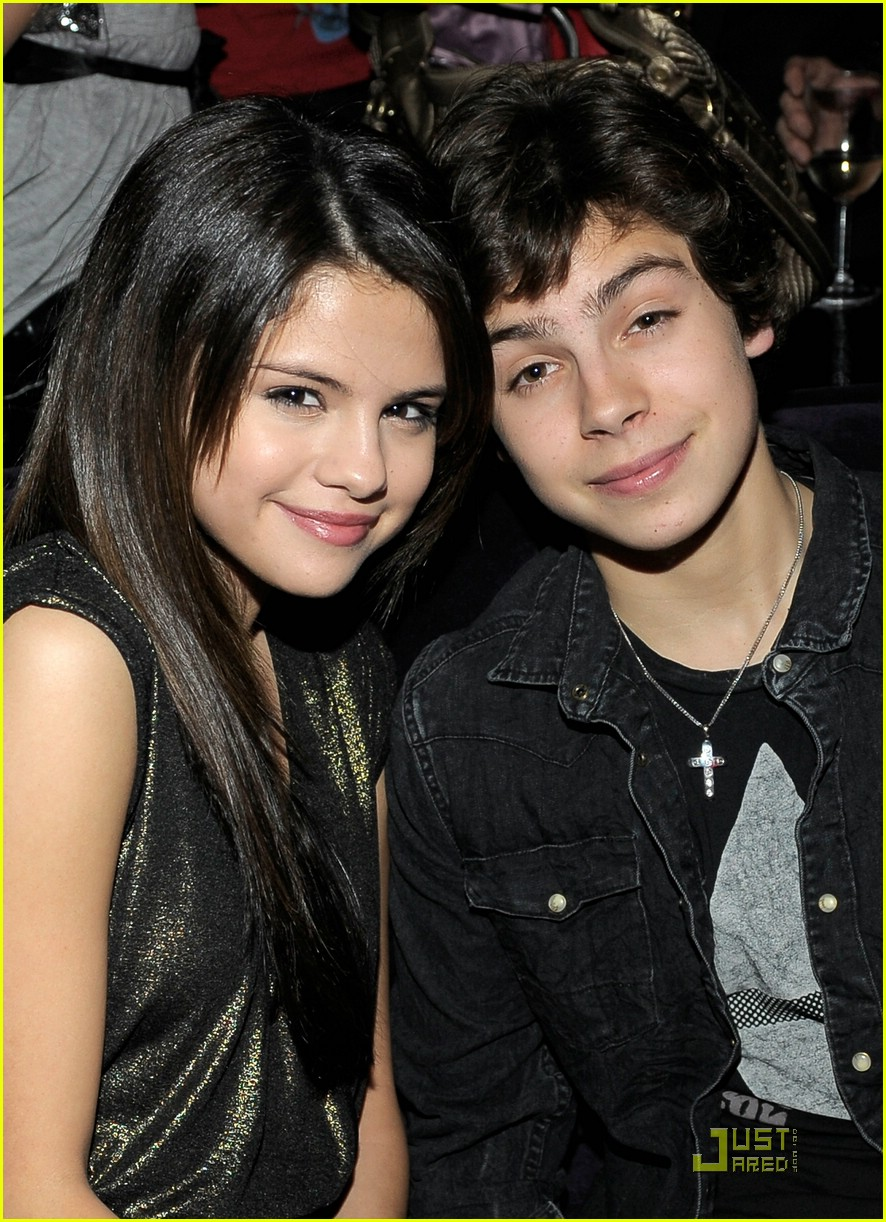 jake t austin bday party 01