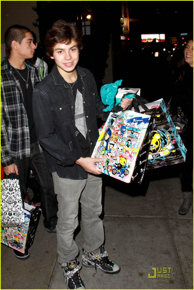 jake t austin bday party 08