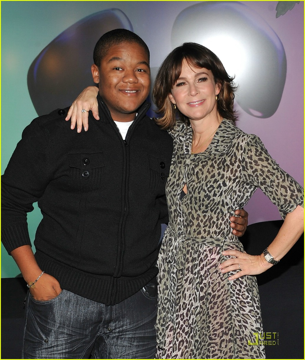 kyle massey mickey hands 05