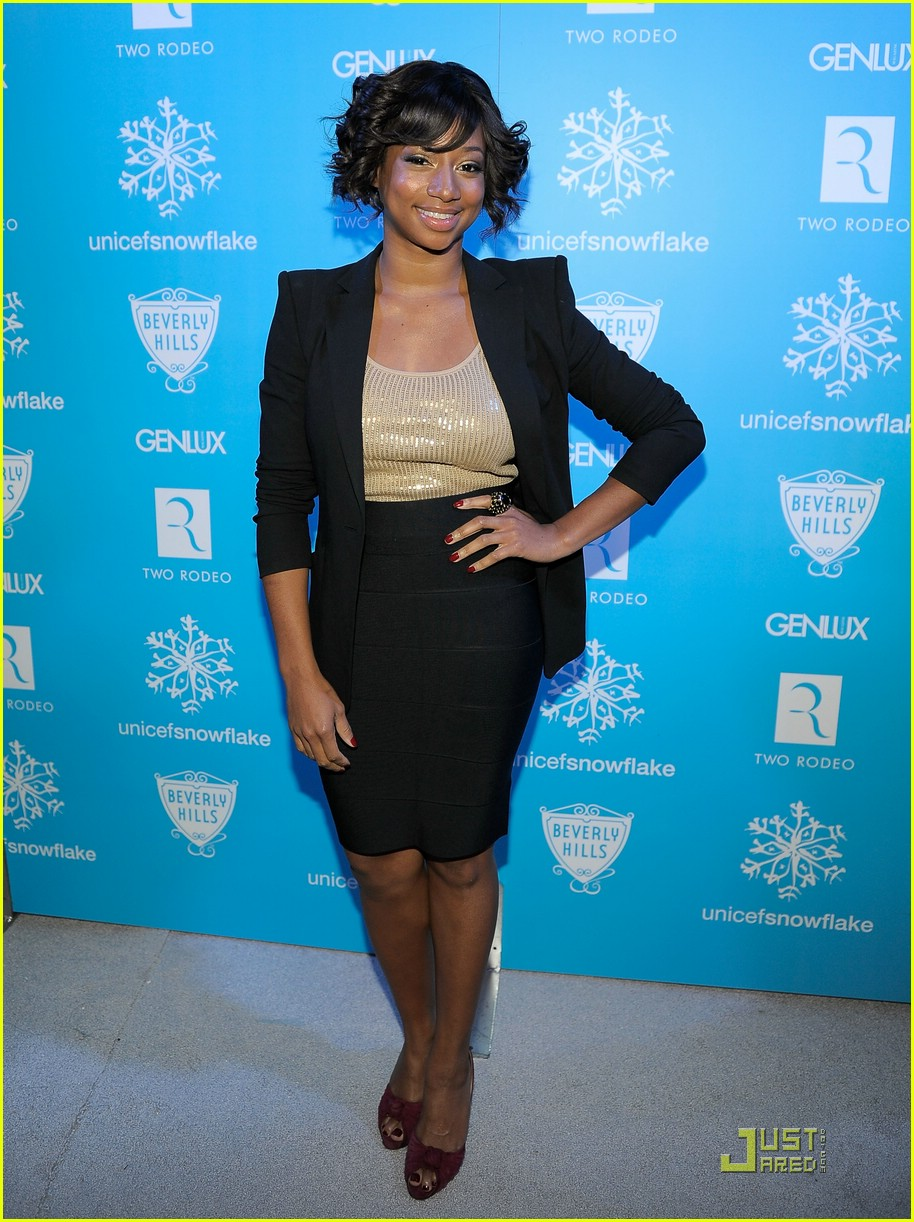 monique coleman snow90210 unicef 01