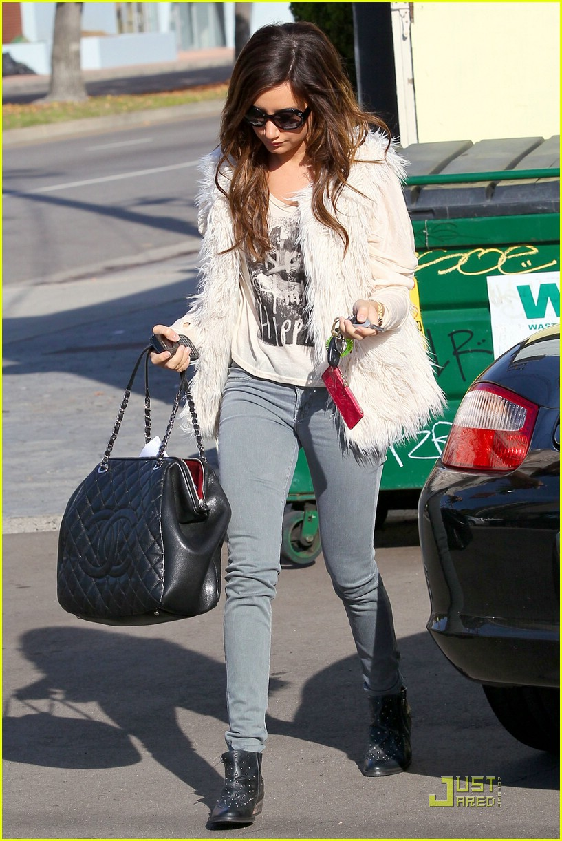 ashley tisdale fuzzy vest 05