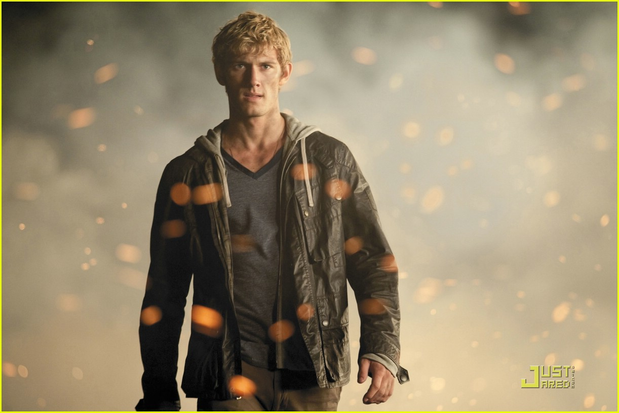 alex pettyfer ian4 images 09