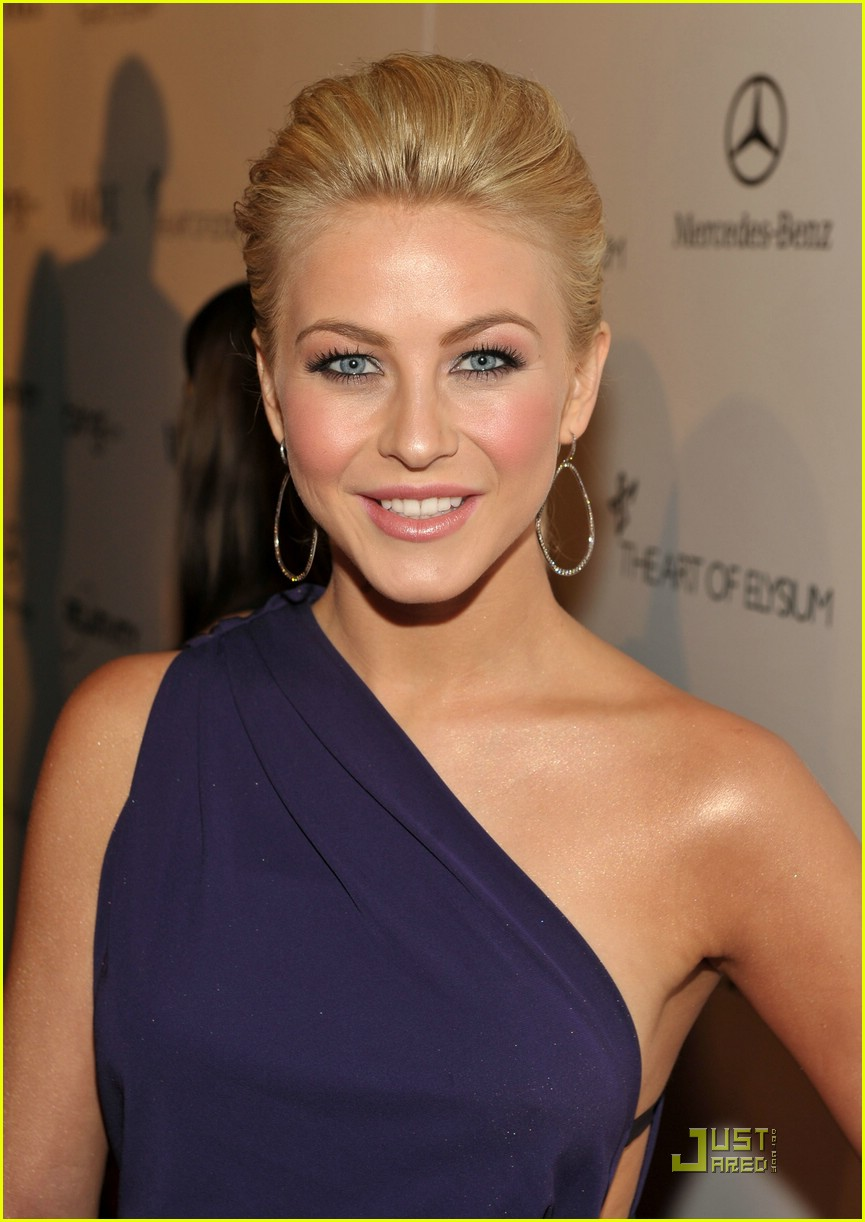 julianne hough golden globes 12