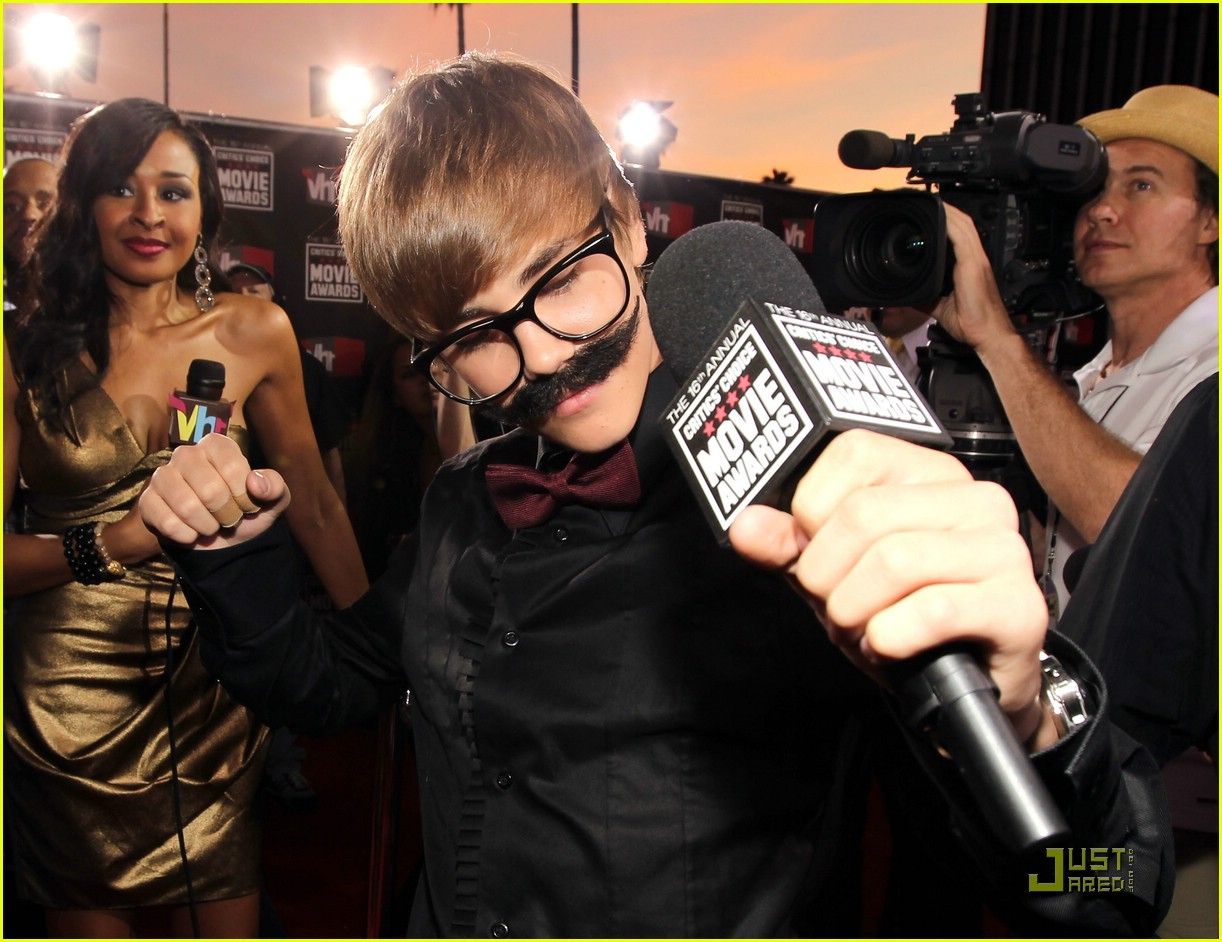 justin bieber critics choice 05
