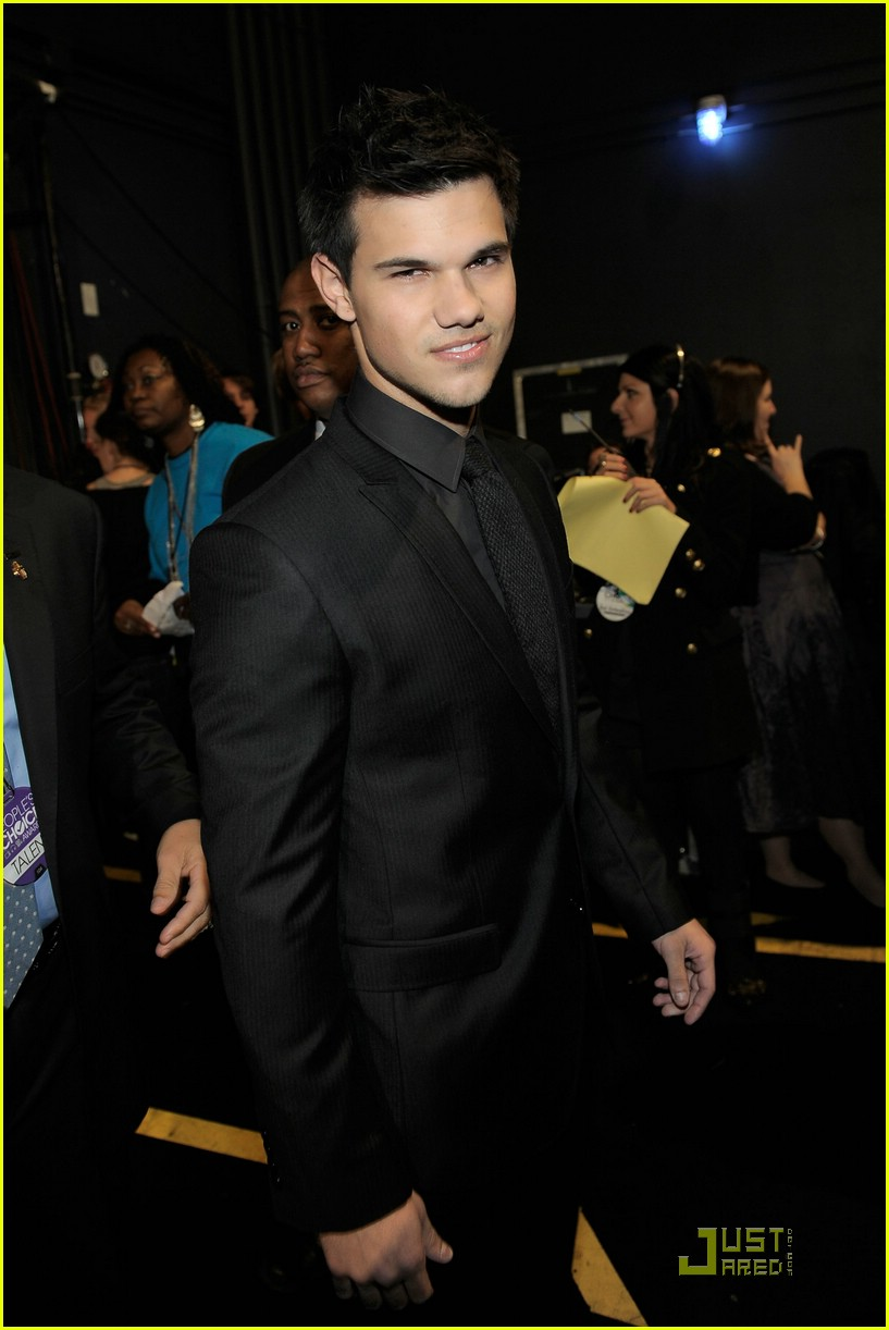 pattinson lautner 2011 pcas 02