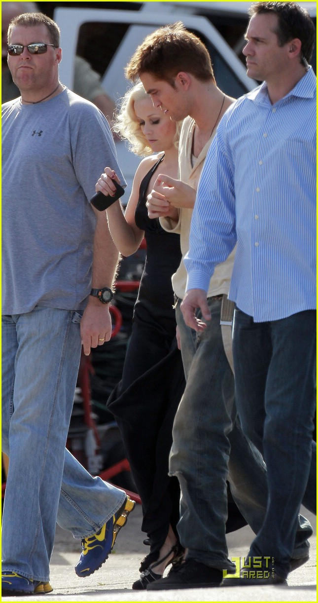 robert pattinson water reshoots 06