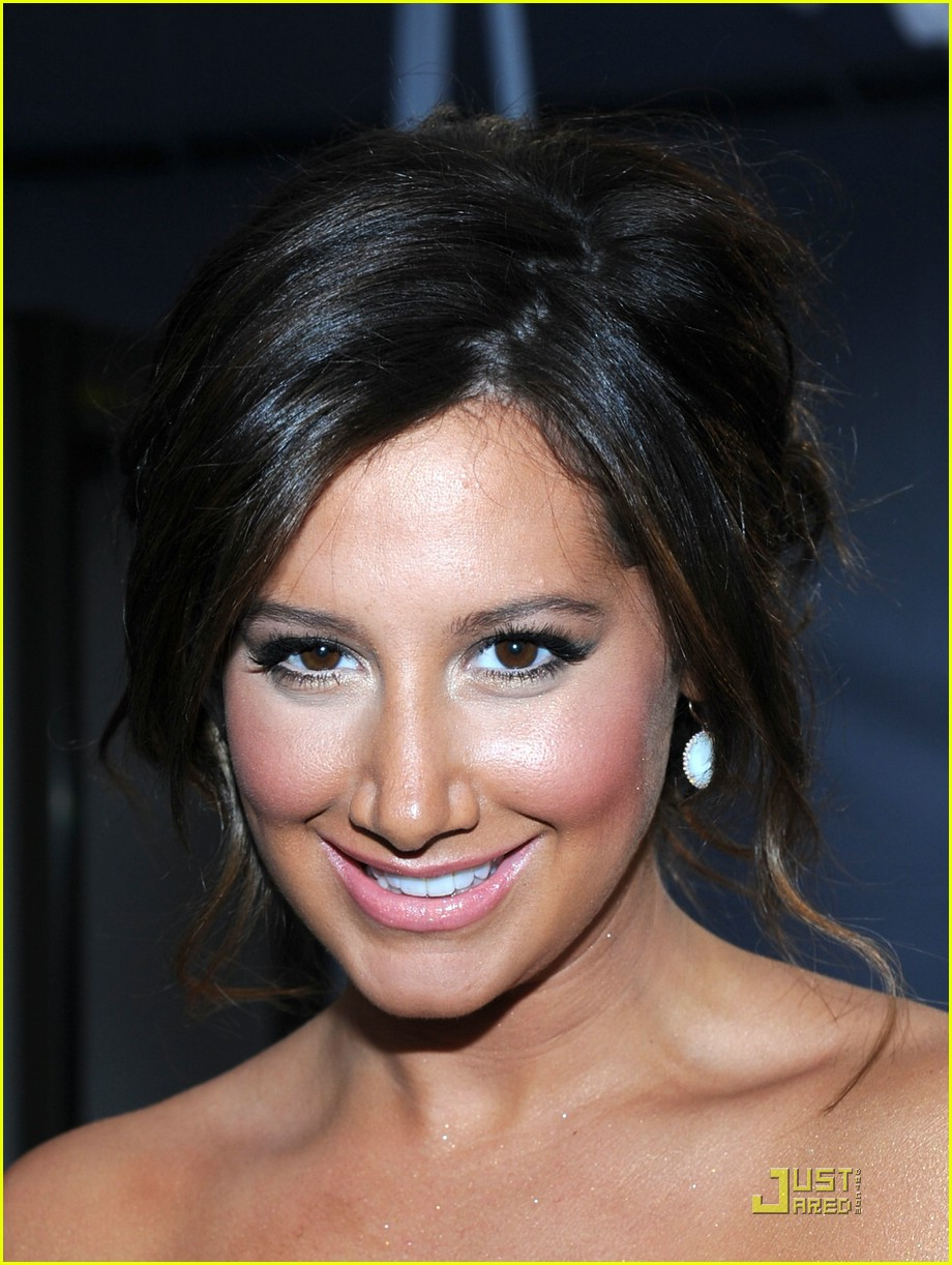 ashley tisdale 2011 pca 02