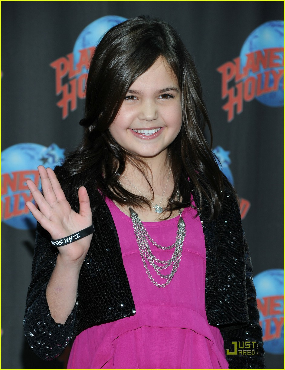 bailee madison planet hollywood 13