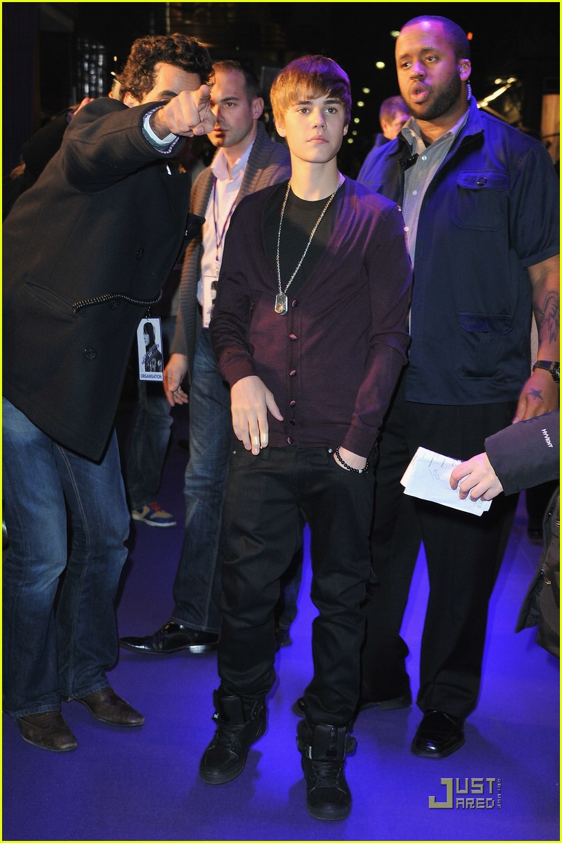 justin bieber purple paris 11