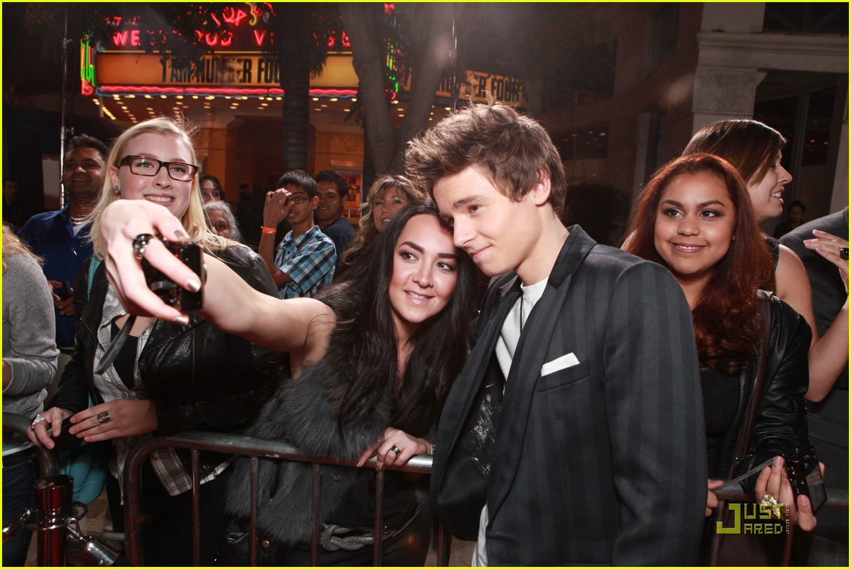 callan mcauliffe ian4 premiere 03