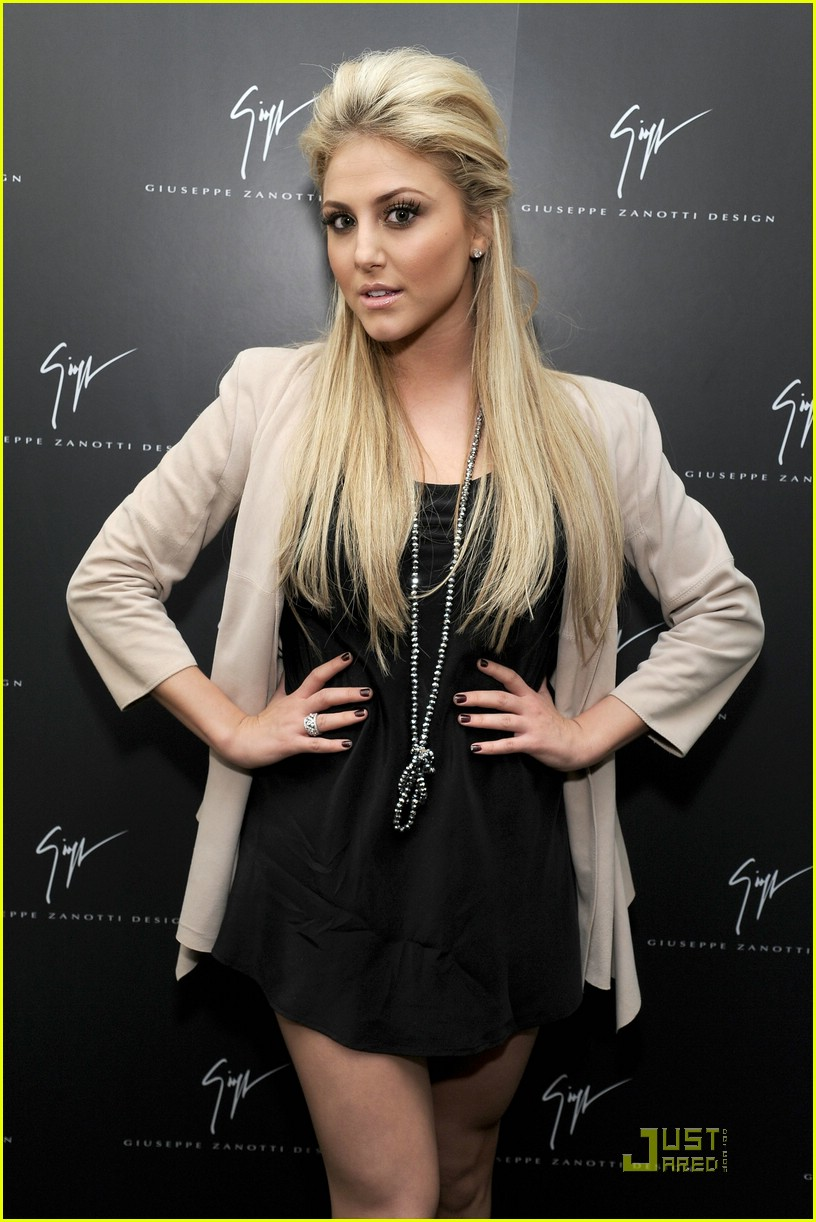 cassie scerbo never premiere 14
