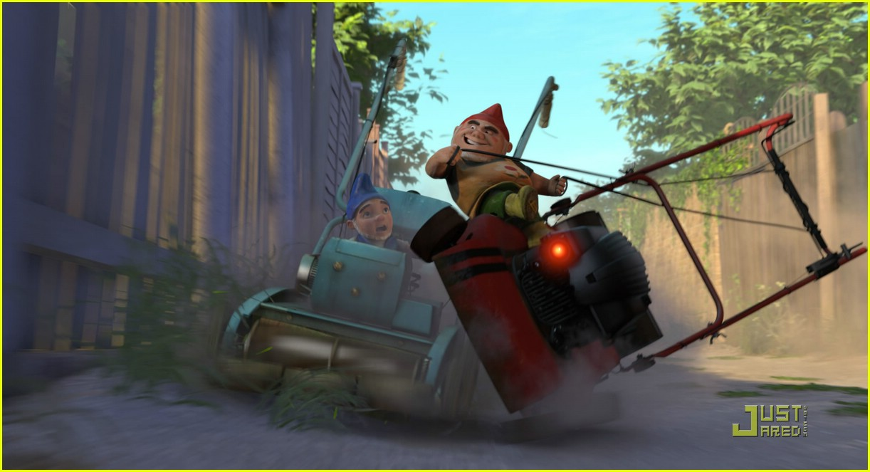 [Image: gnomeo-juliet-theaters-today-01.jpg]