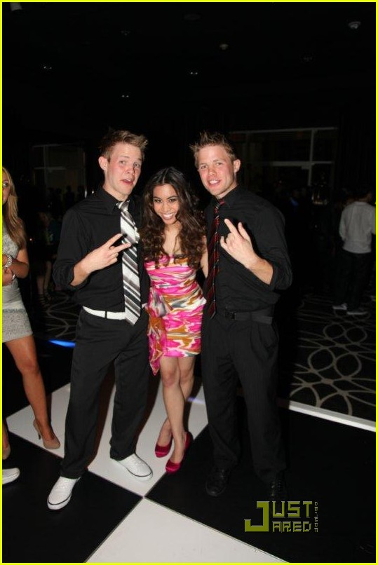 victoria justice ashley argota birthday 06
