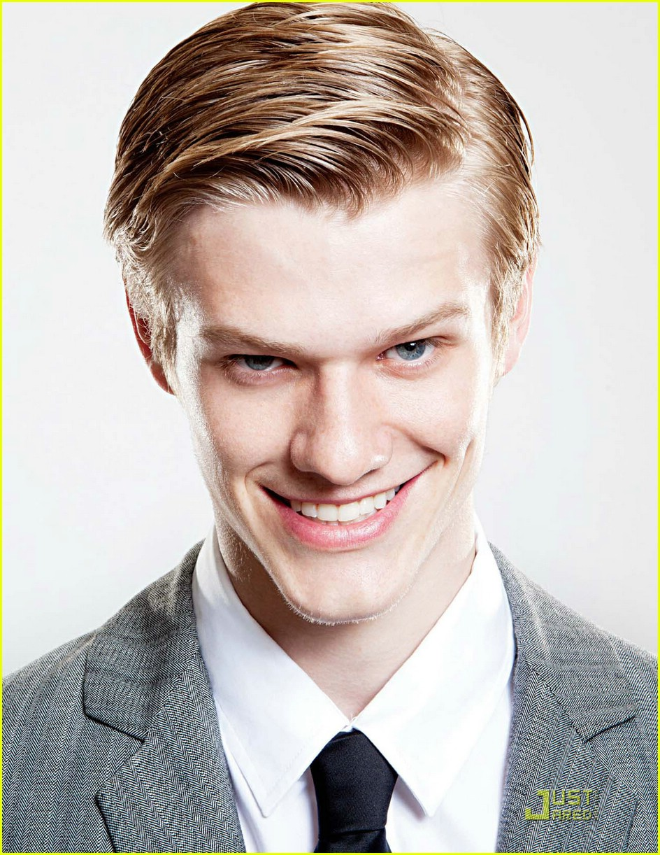Lucas Till Lucas Till Wants A Real Video