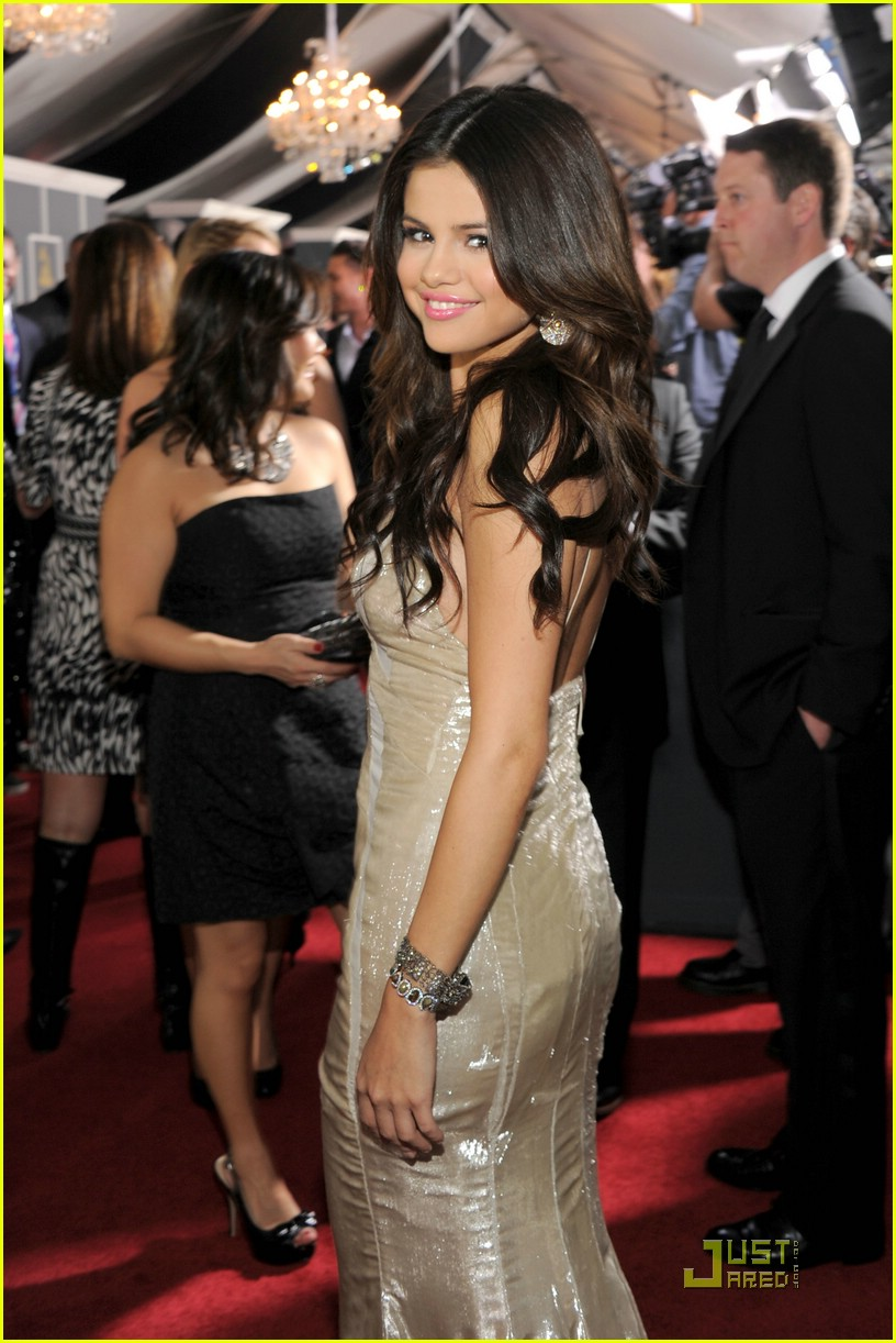 selena gomez grammy awards 01