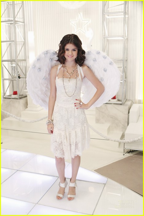 selena gomez jennifer stone angel dance 14