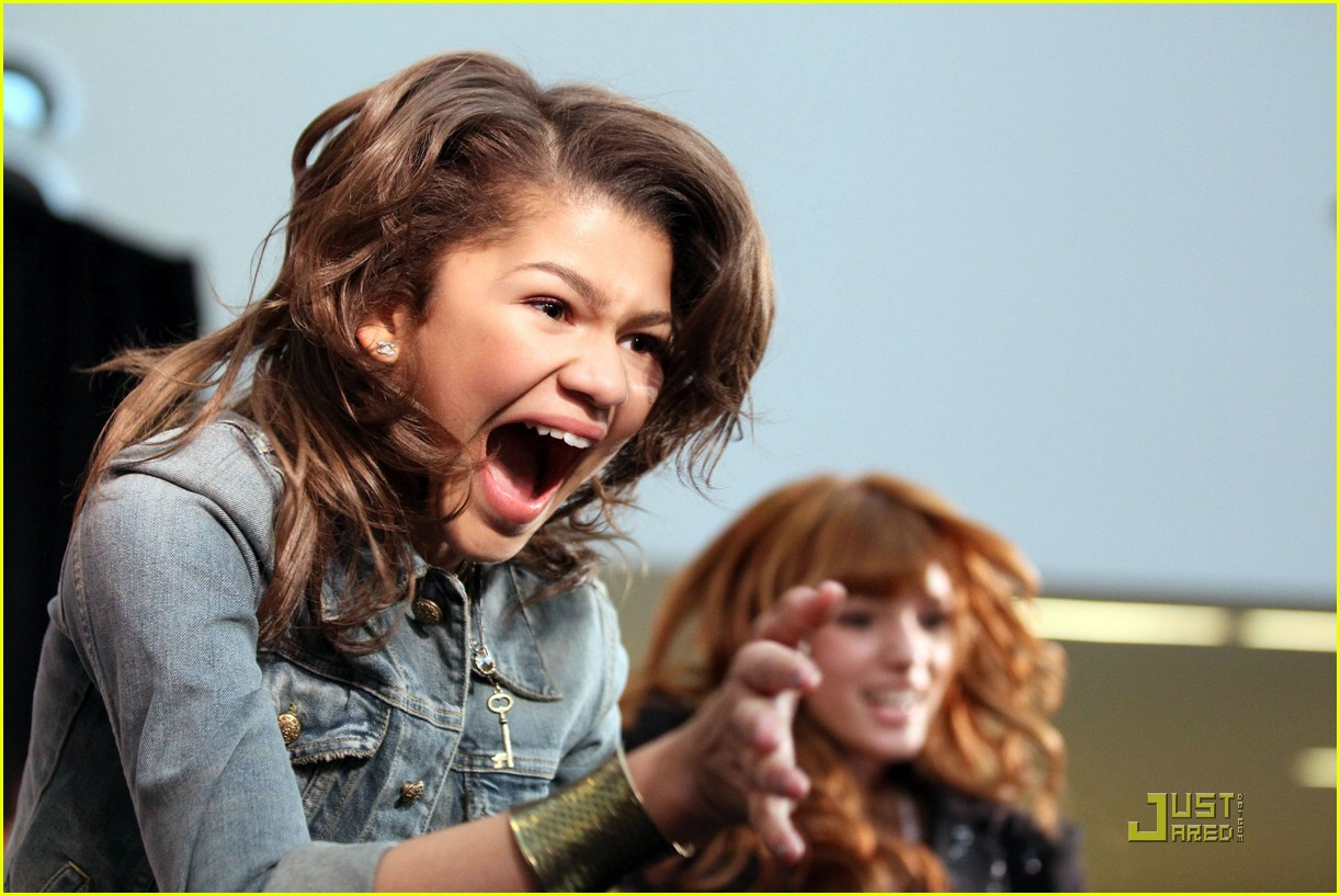 zendaya bella milkshakes shake 25