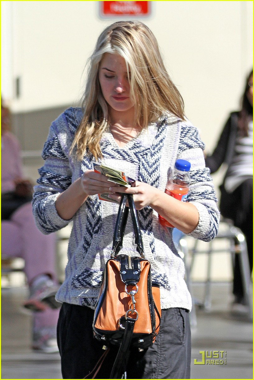 aj michalka car wash 08