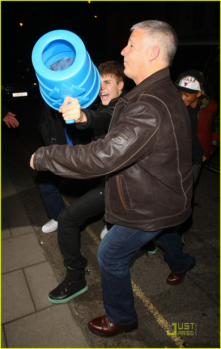 willow smith justin bieber london dinner 07