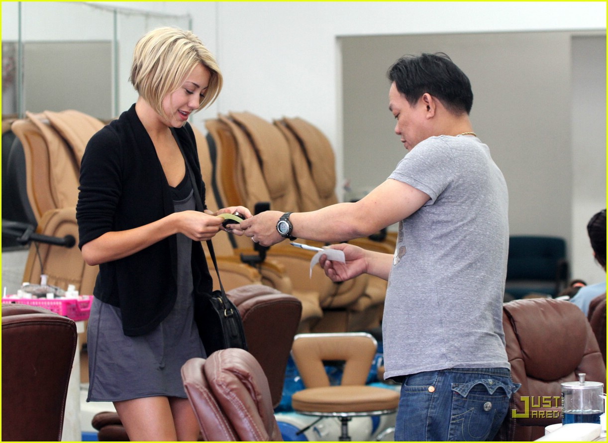 chelsea kane nails cheetah 03