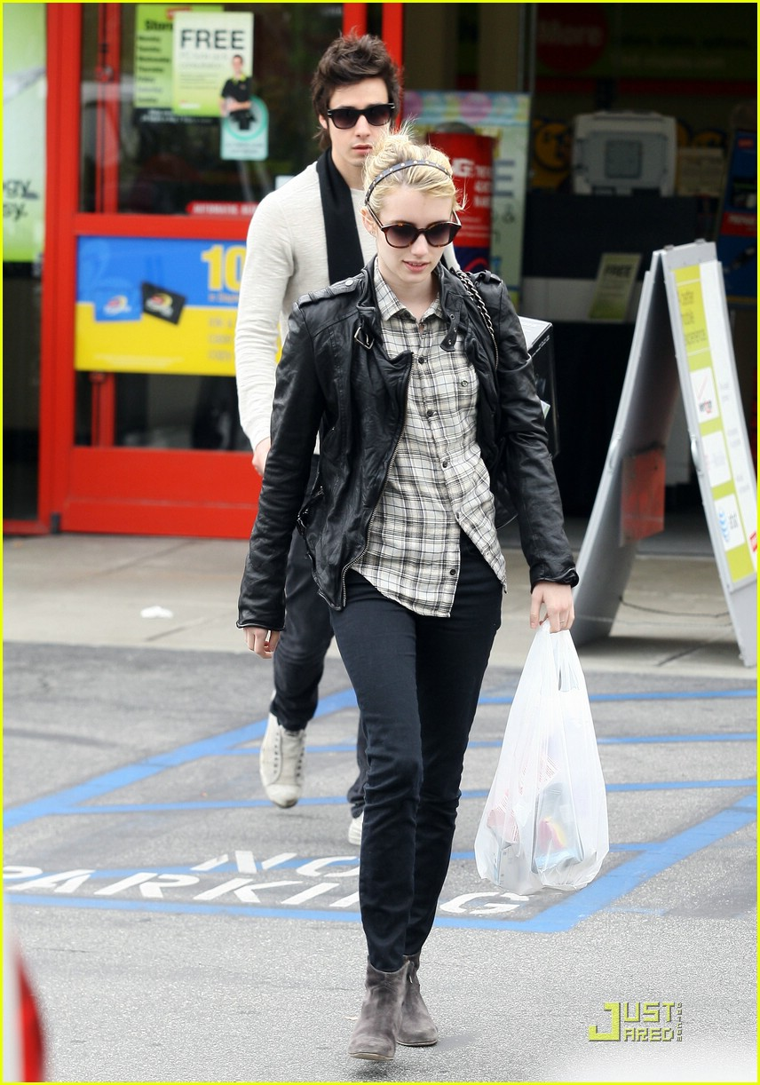 emma roberts staples run 10