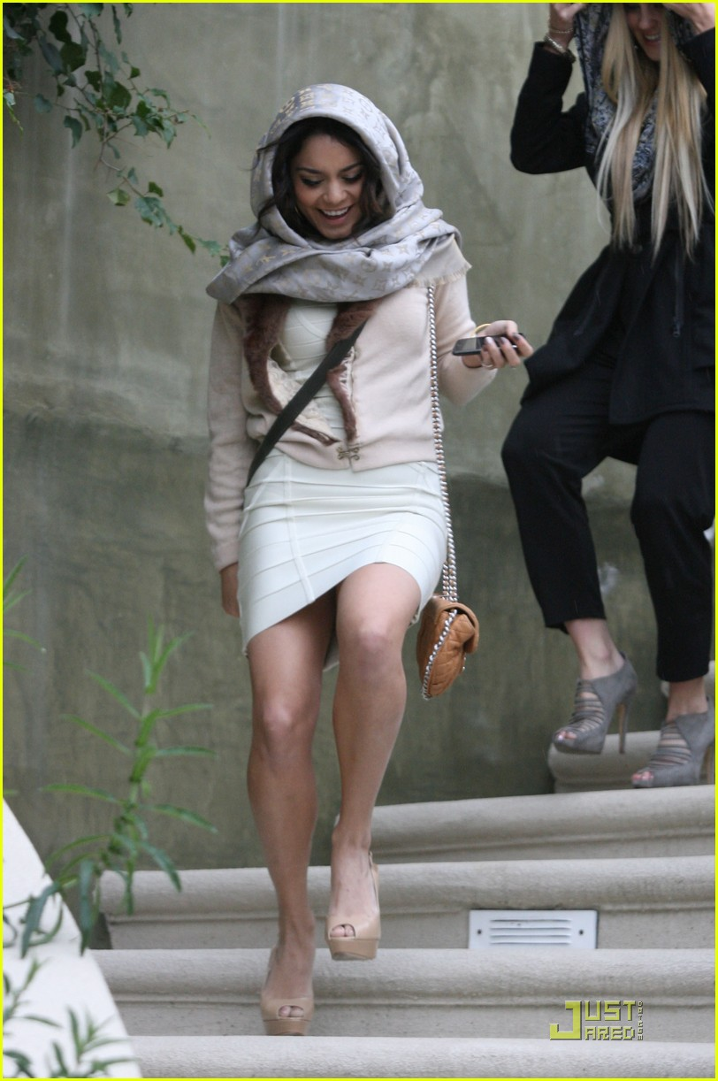 vanessa hudgens conan before premiere 01