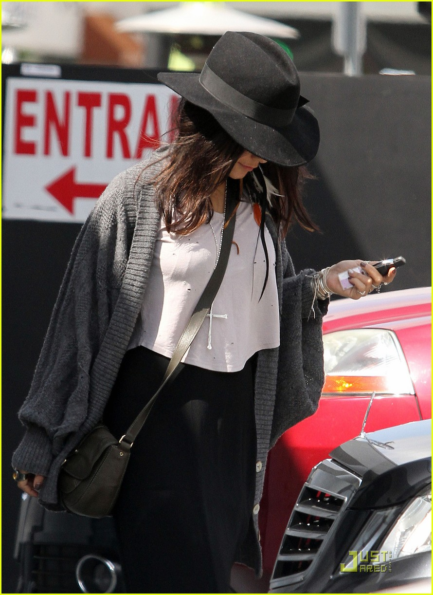 vanessa hudgens black hat 03