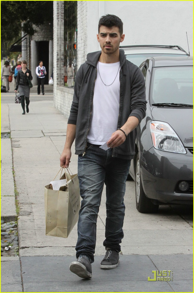 joe jonas all saints 04