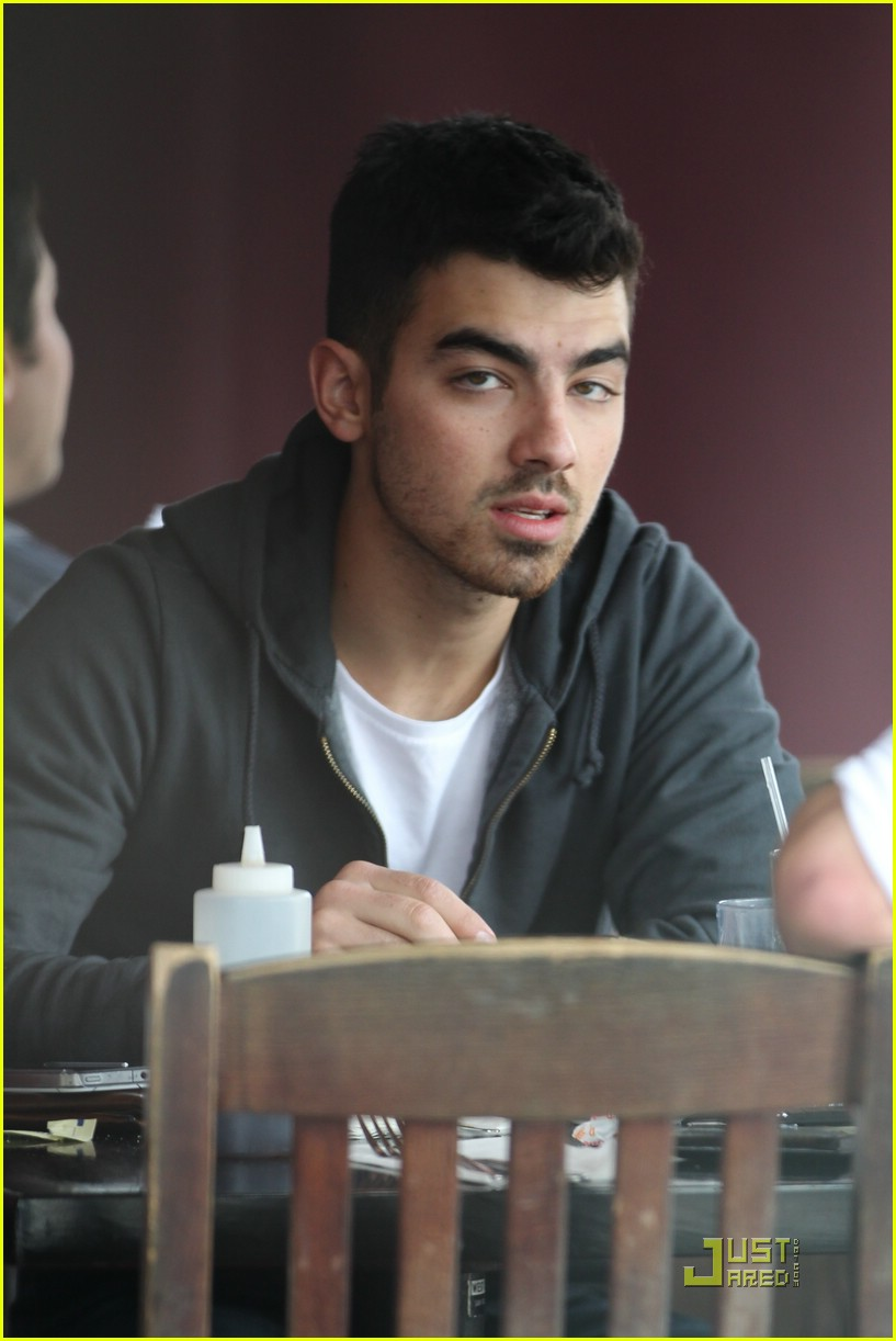 joe jonas winston doctor 16