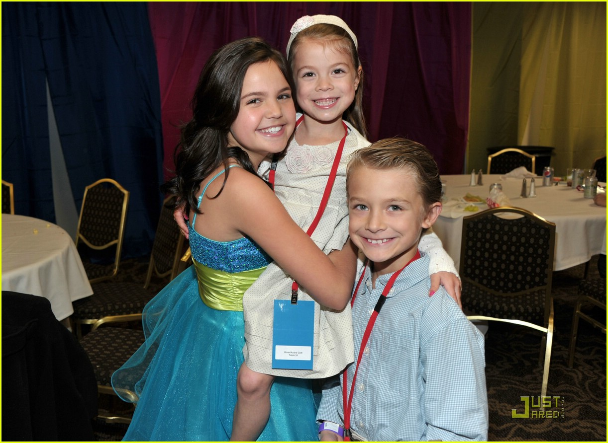 bailee madison stellar hop 03