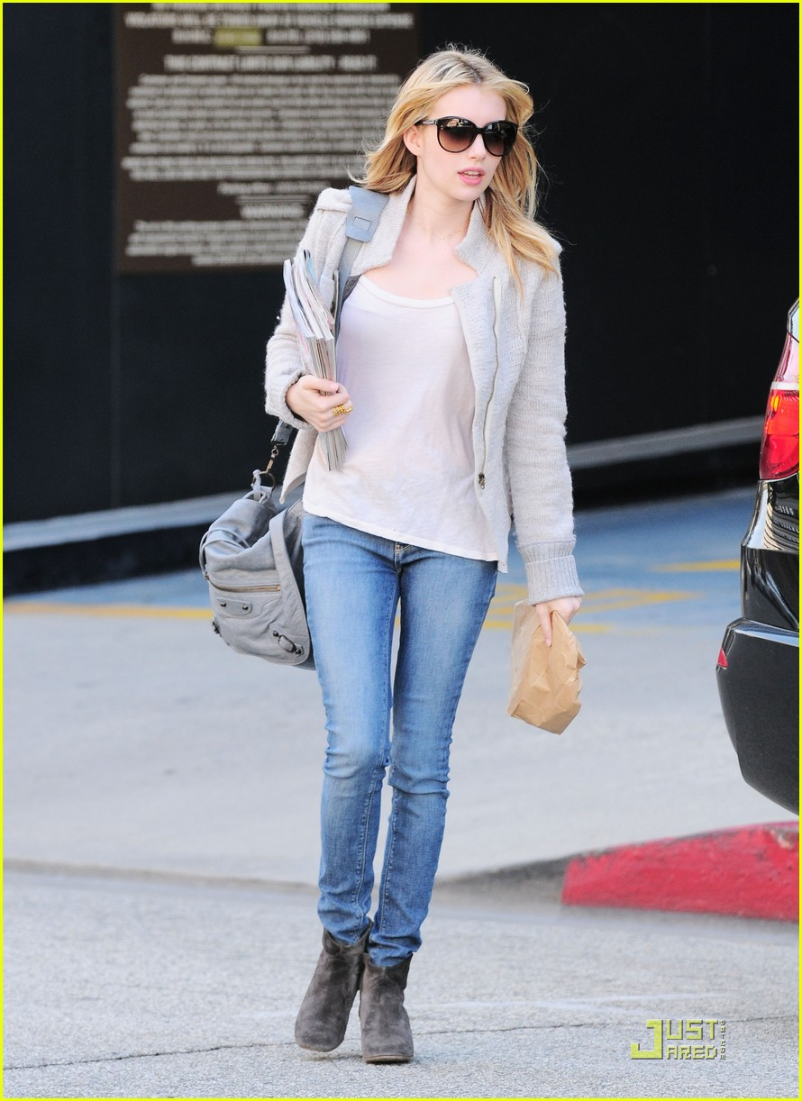 emma roberts doctors appointment 07