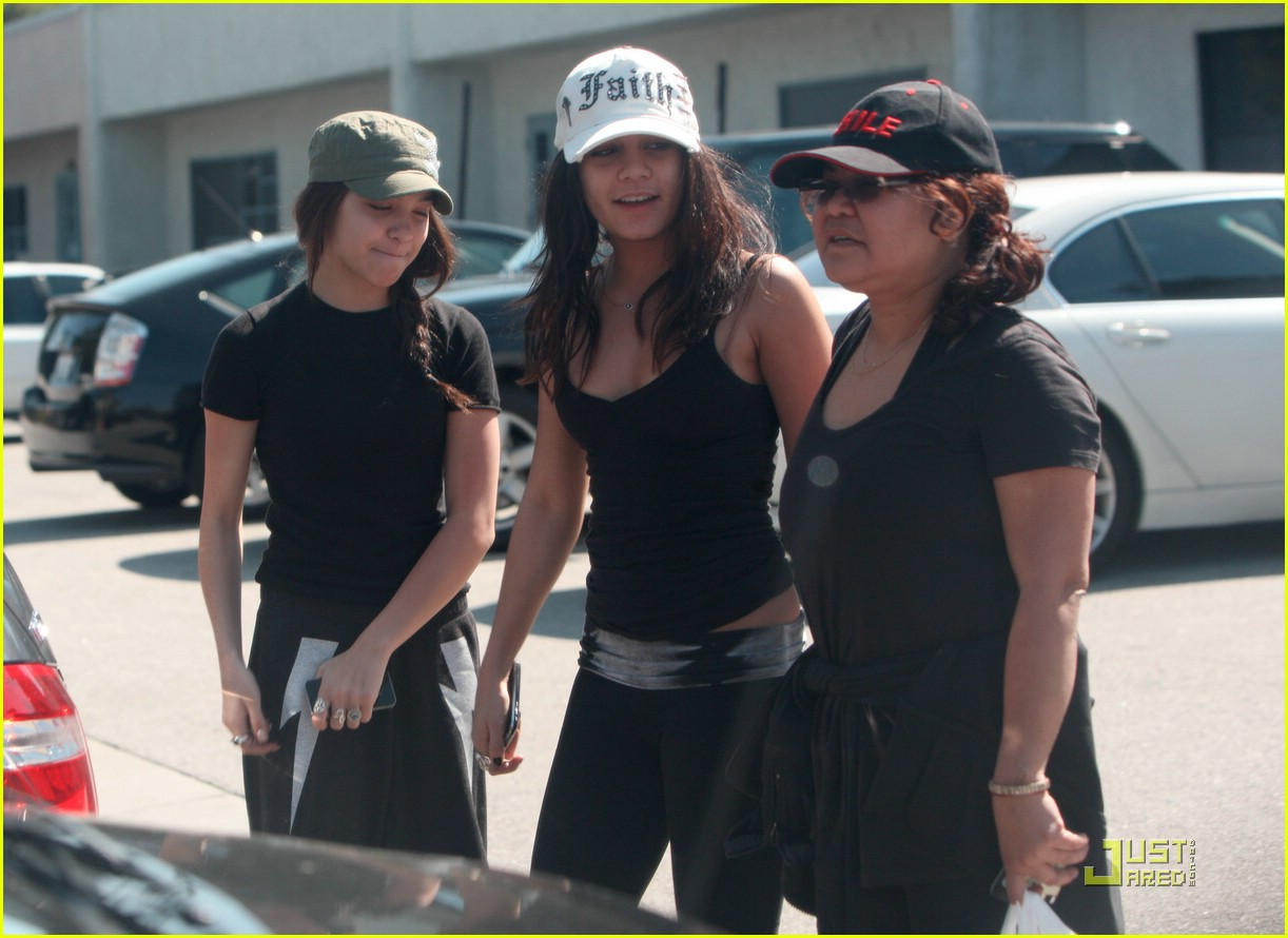 vanessa hudgens gym gina stella 07