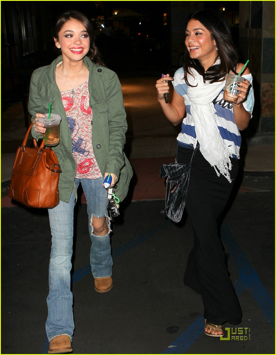 {9 Pics} - Vanessa Hudgens, Selena Gomez and Sarah Hyland