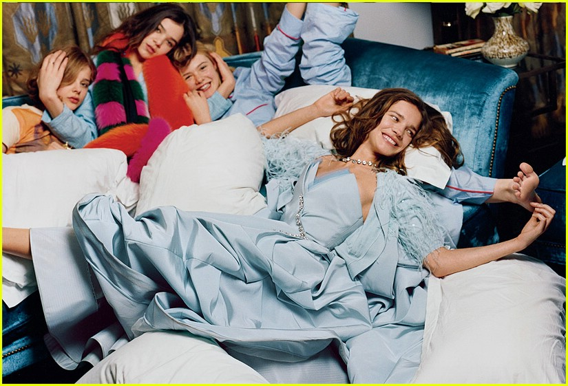 chloe moretz elle hailee slumber party 01