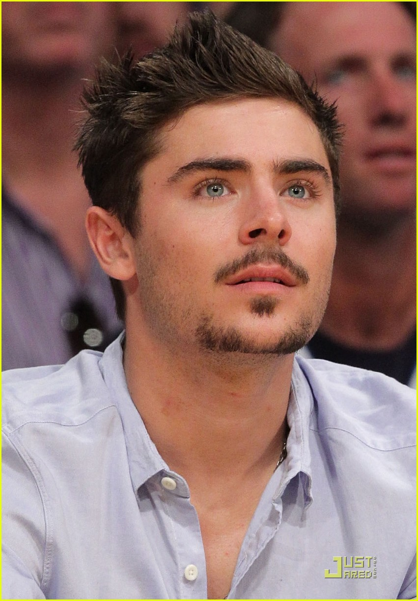 zac efron trampled on kobe bryant 02