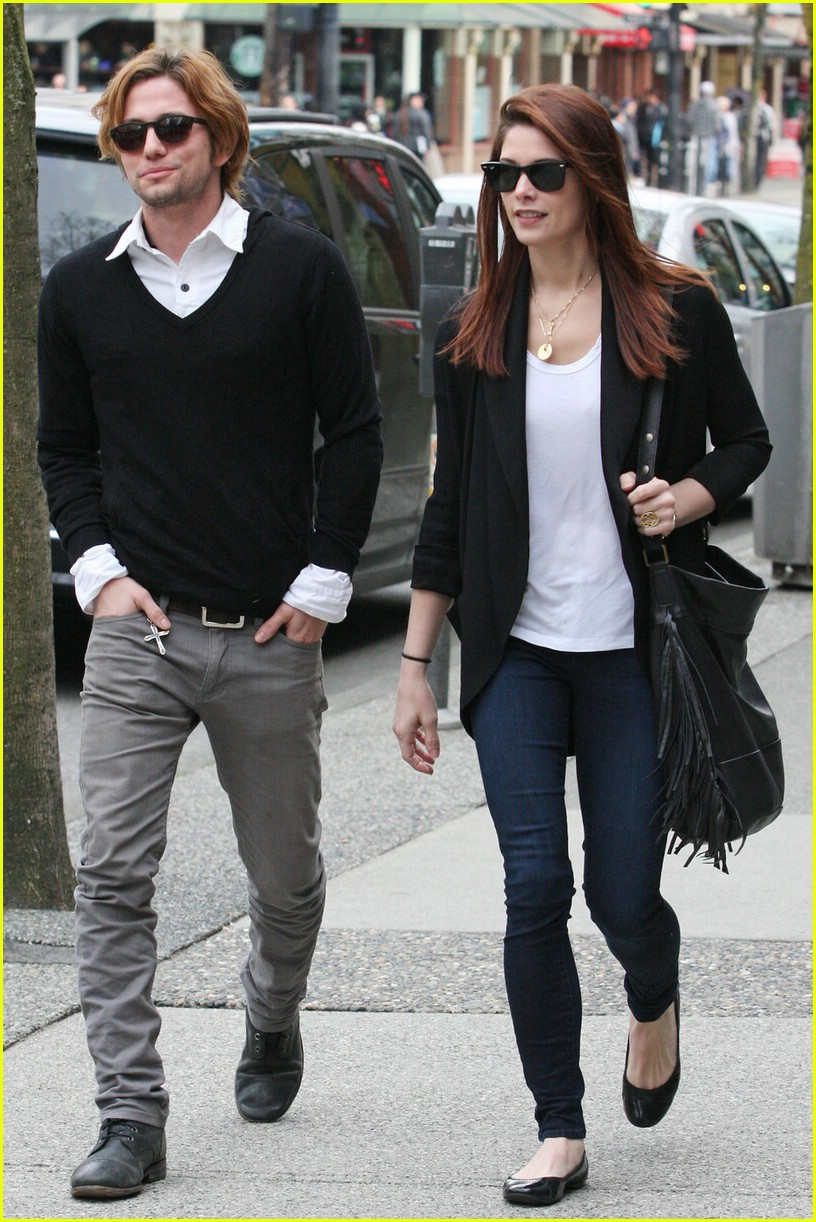 ashley greene jackson rathbone walk 10