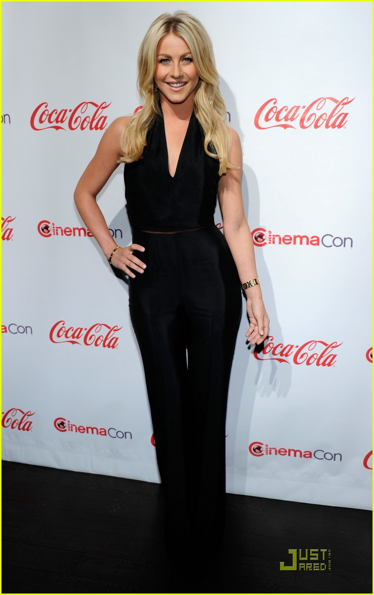 julianne hough cinemacon 20