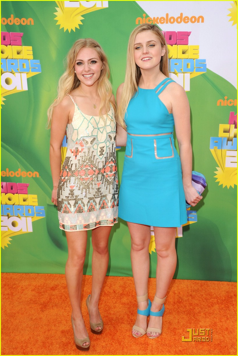 lorraine nicholson kids choice awards 10