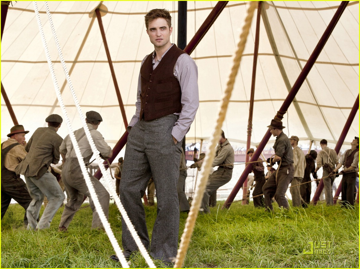 robert pattinson elephants pics 01