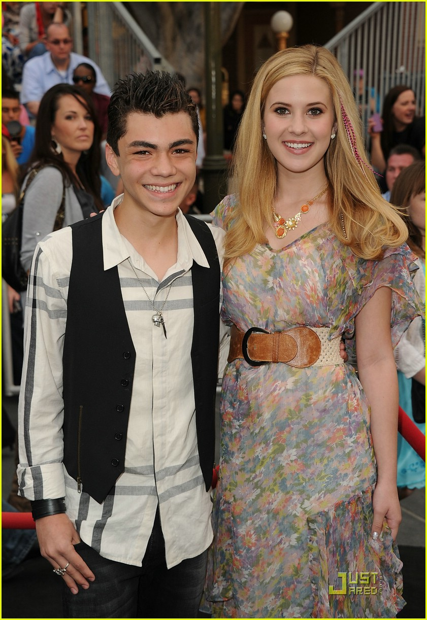 caroline sunshine pirates premiere 16
