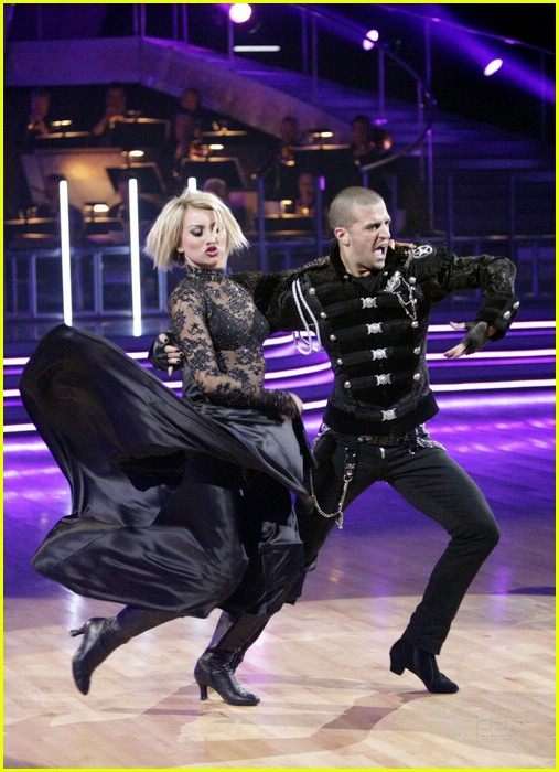 chelsea kane group dance paso 01