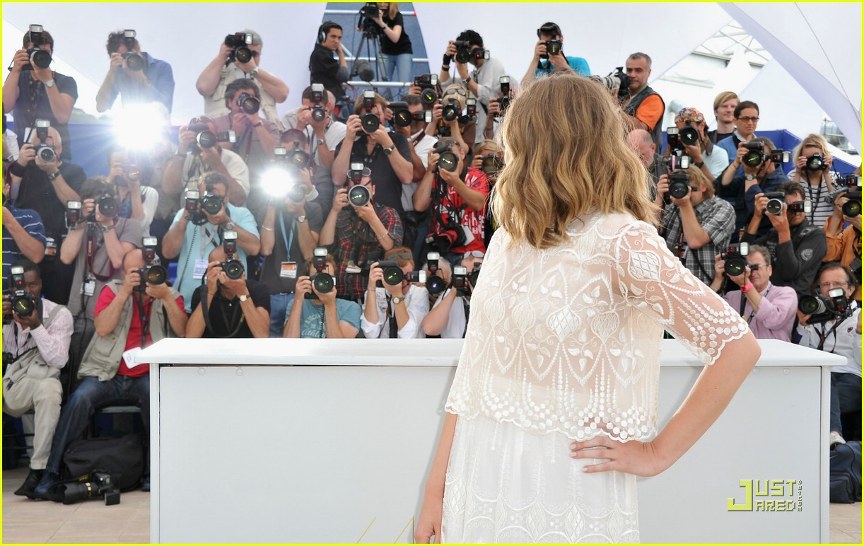 elizabeth olsen cannes festival 16