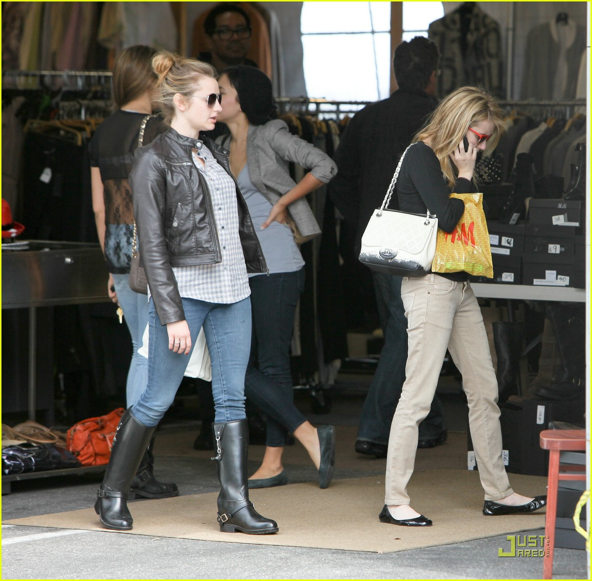 emma roberts parking lot sale 03