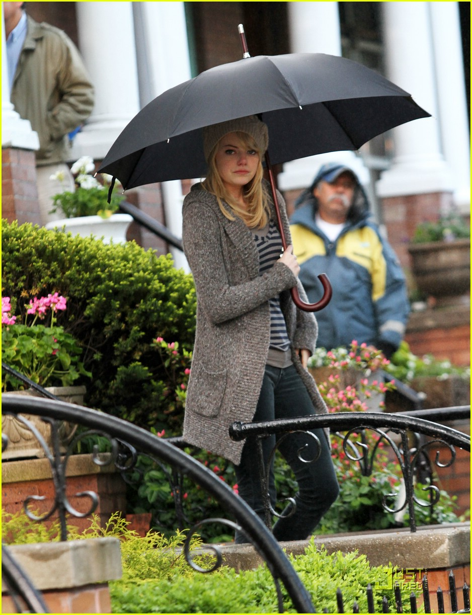 emma stone rain spiderman 07
