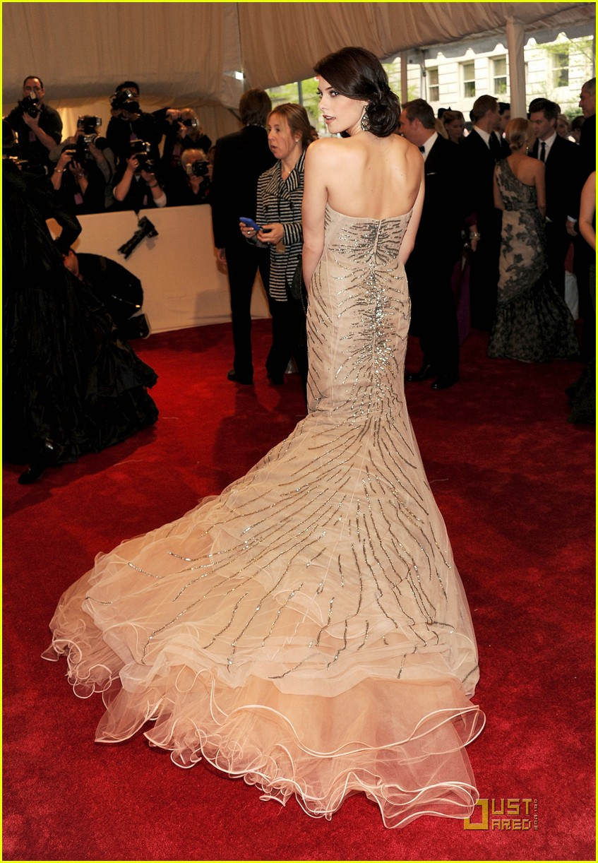 ashley greene met ball 2011 05
