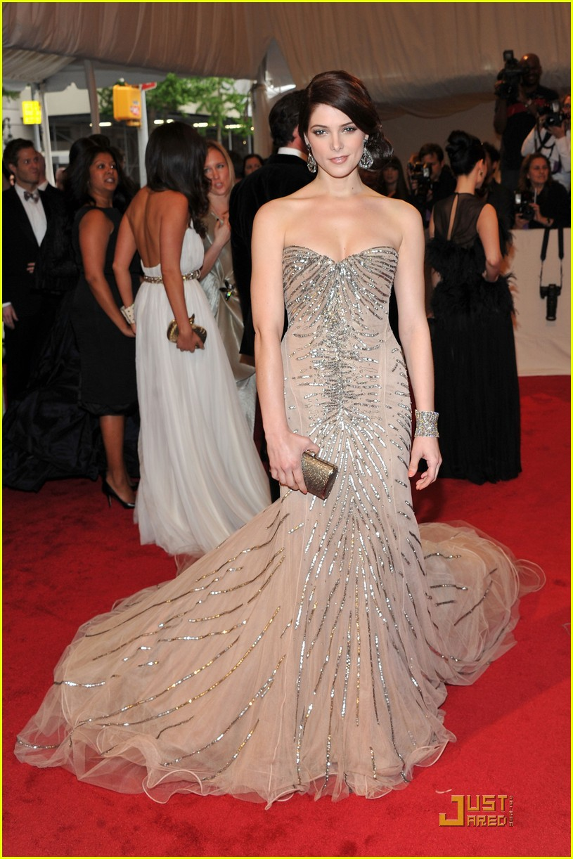 ashley greene met ball 2011 06