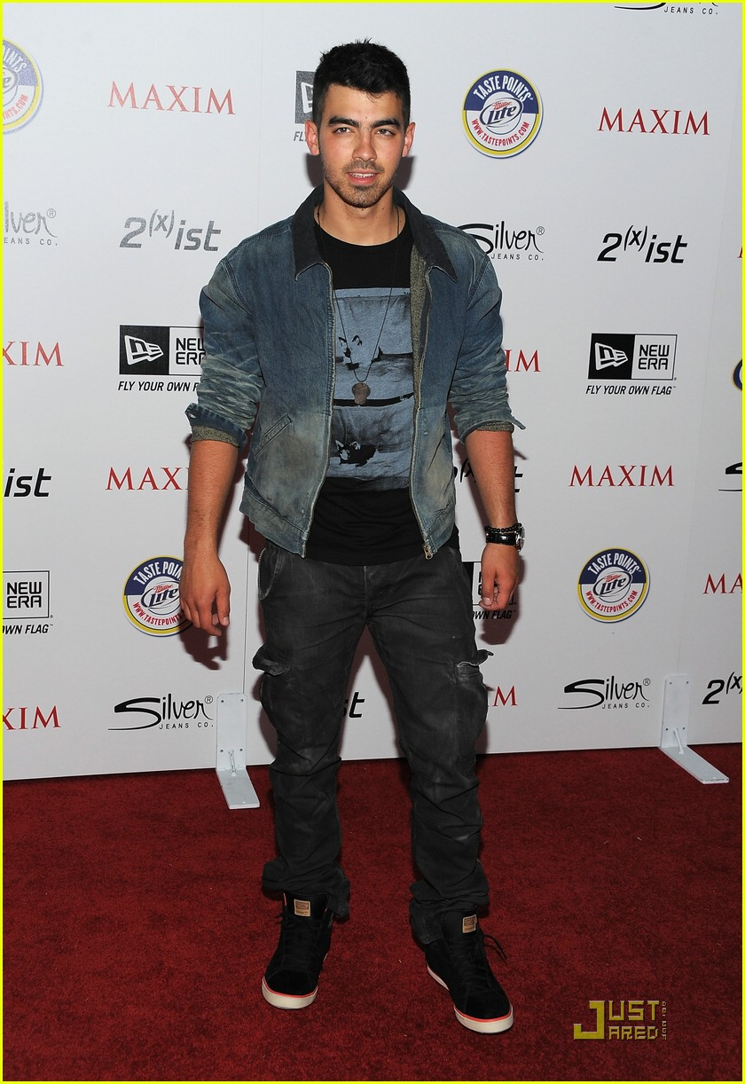 joe jonas maxim hot 100 06