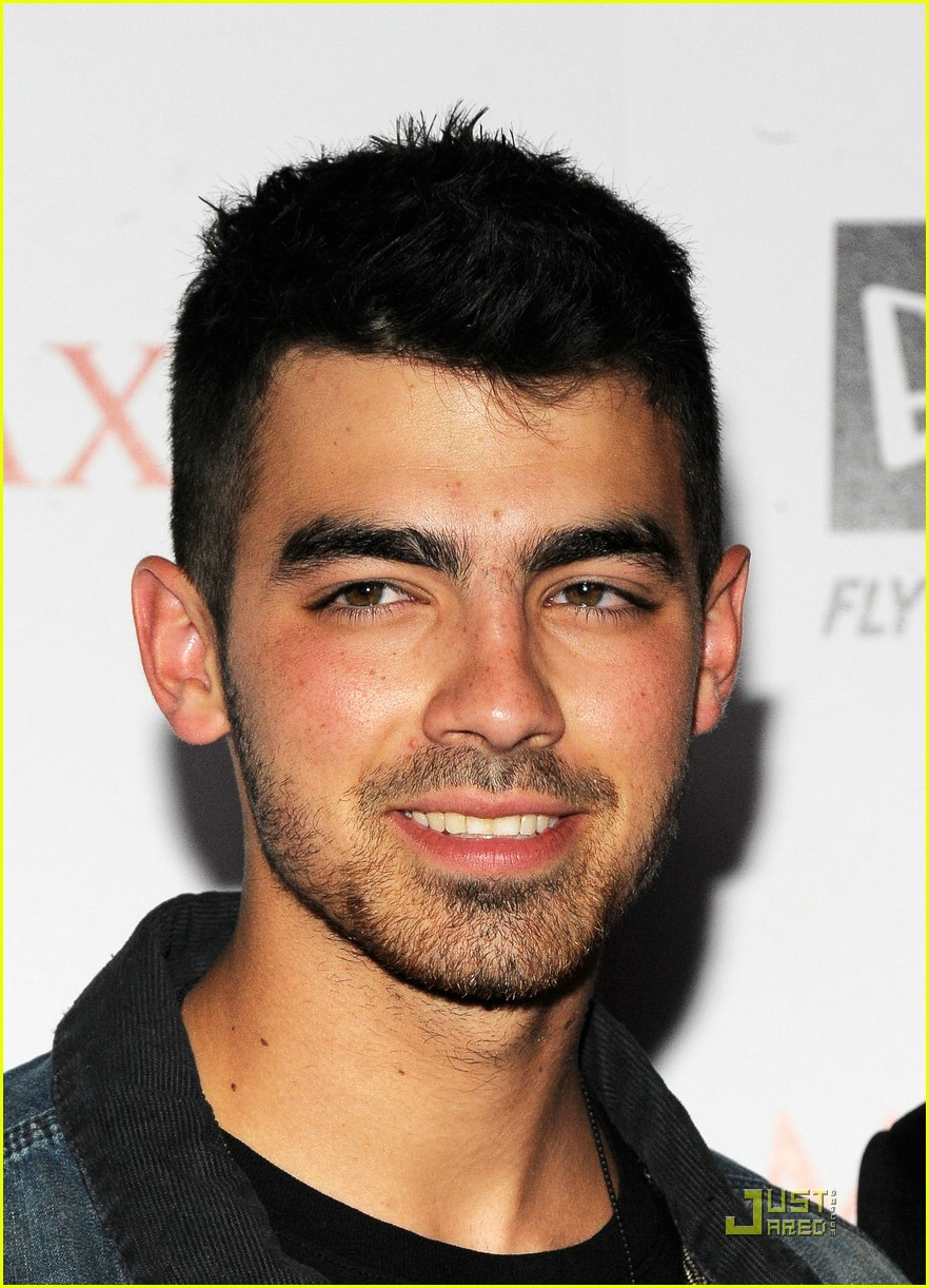 joe jonas maxim hot 100 07